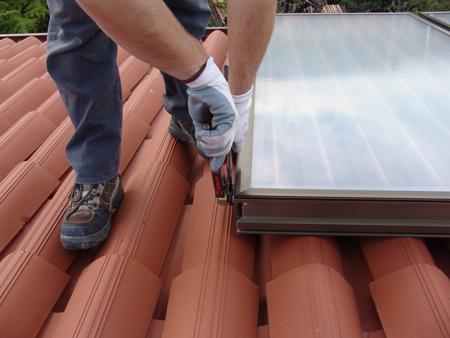 Dettaglio installazione sistema solare termico